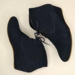 Crown Vintage Blue Suede Ankle Boots